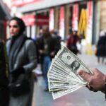 خرید و فروش دلار توسط مردم نوعی خود زنی است