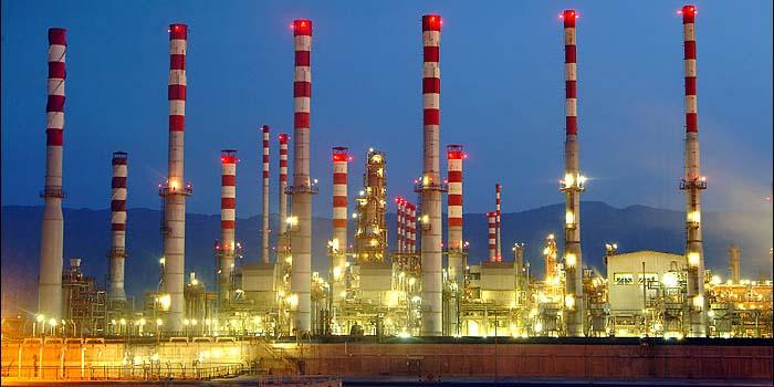 ایران و چین قرارداد نفتی امضا میکنند